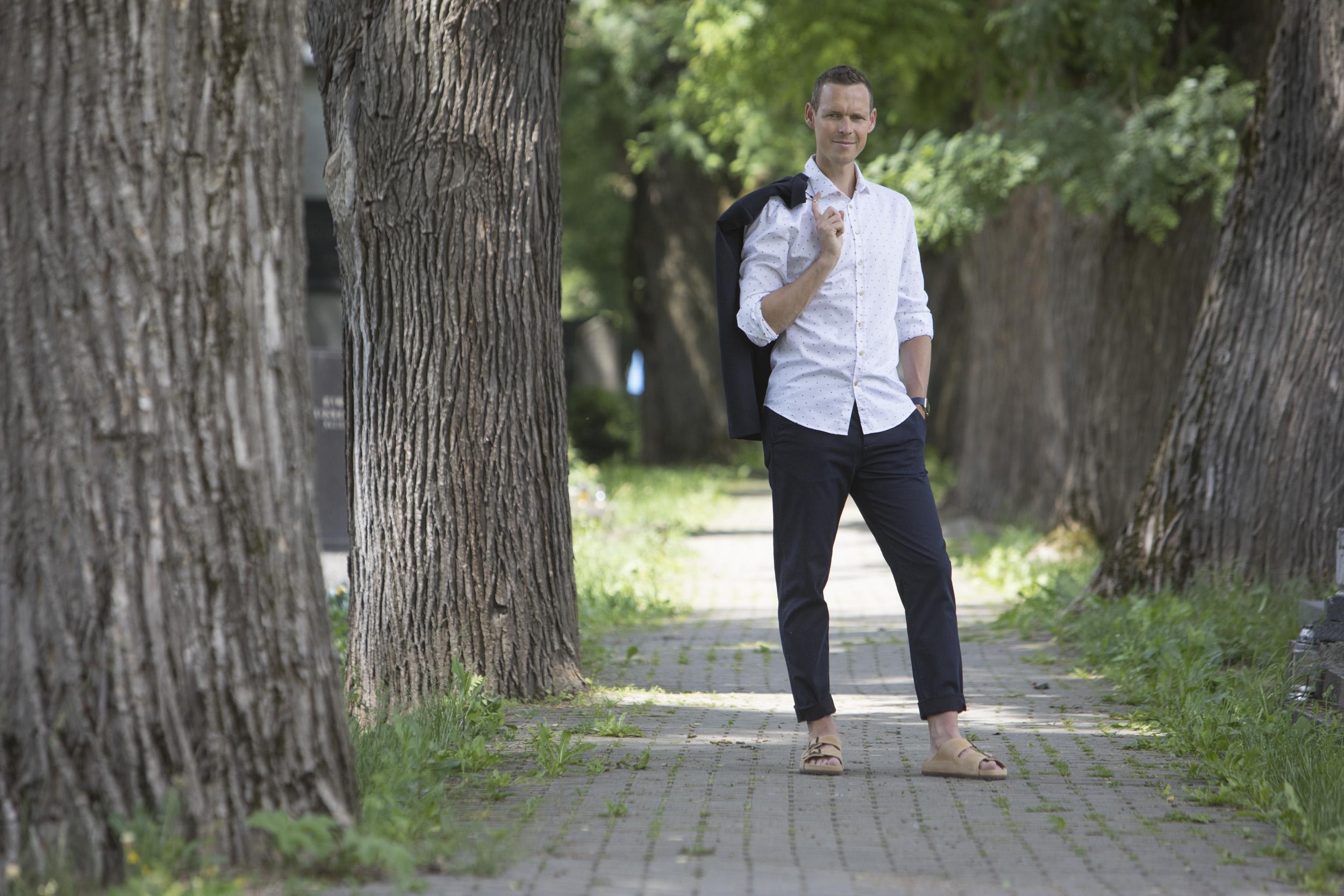 5774332d4c2a ... môžete korkové sandále PROTETIKA s úsmevom odporučiť aj im. V ponuke sú  aj pánske modely J. V jednom z nich sme nafotili aj nášho olympijského  víťaza
